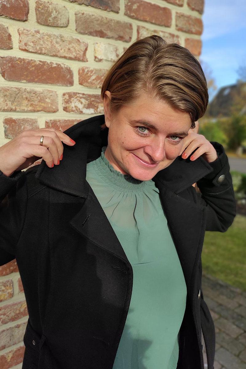 Portrait draussen Psychotherapie und Coaching Pinneberg - Stephanie Schullmann Redlich